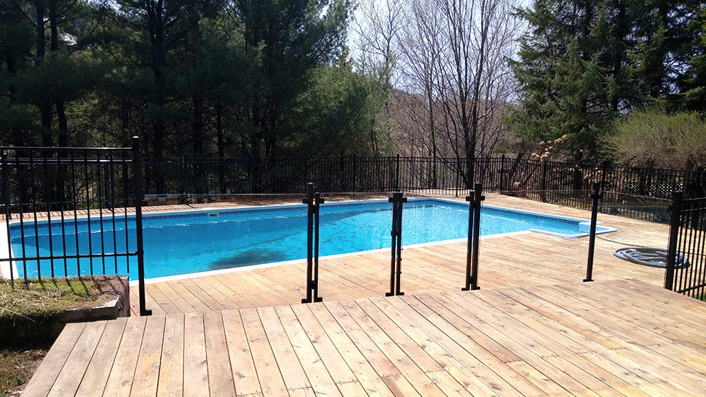 Cl ture piscine la s curit et l esth tisme cl tures for Piscine gonflable 2m diametre